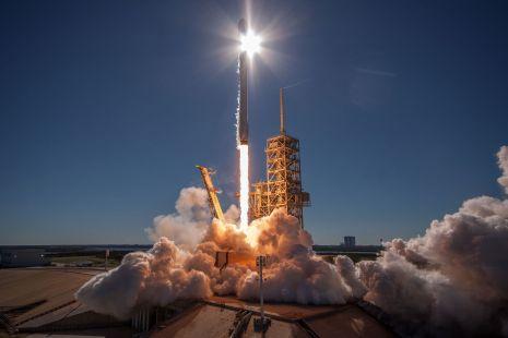 SpaceX Falcon 9 Launch Wallpaper